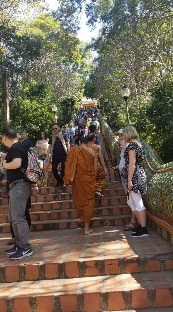 monks-going-up-doi-suthep