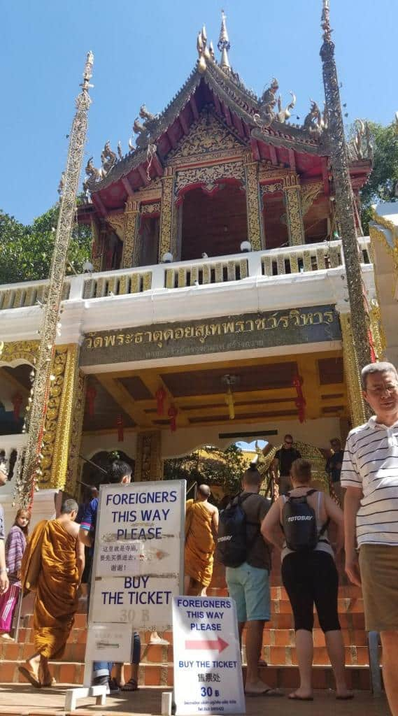 entrance-fee-at-doi-suthep