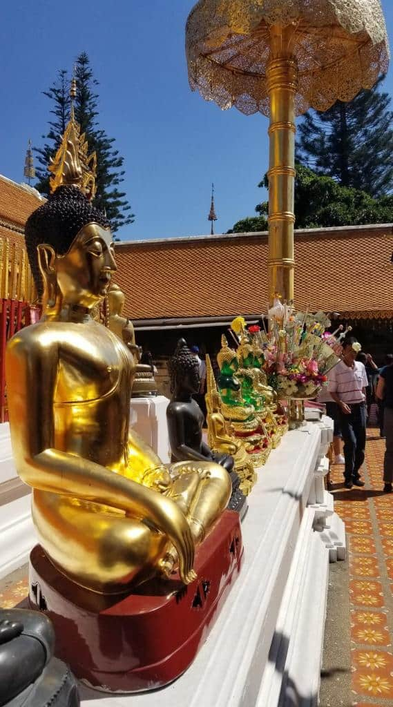 golden-buddha-statute-doi-suthep