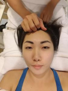 head-and-facial-massage-at-candy-cos-chiang-mai