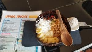 Living Juices - Smoothie bowl 120 baht